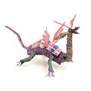 Dragón alado plano