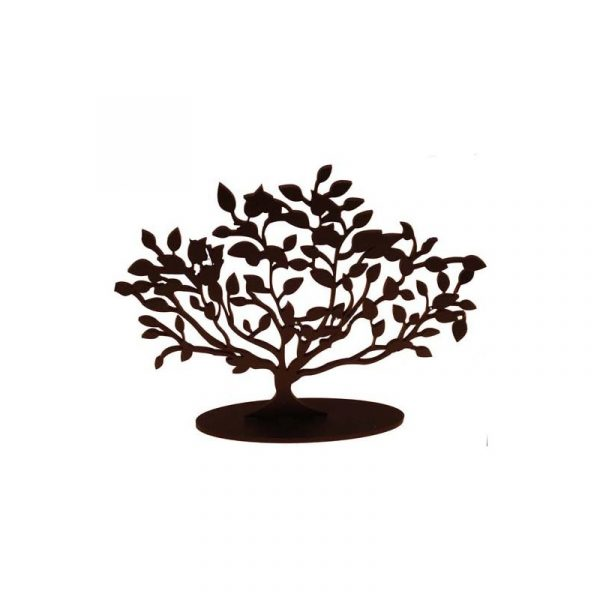 Árbol tallado en madera